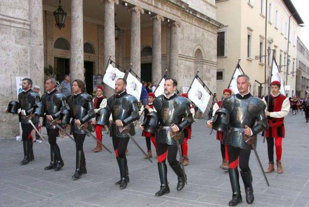 Gli armati di Porta Tufilla (foto Labolognese)