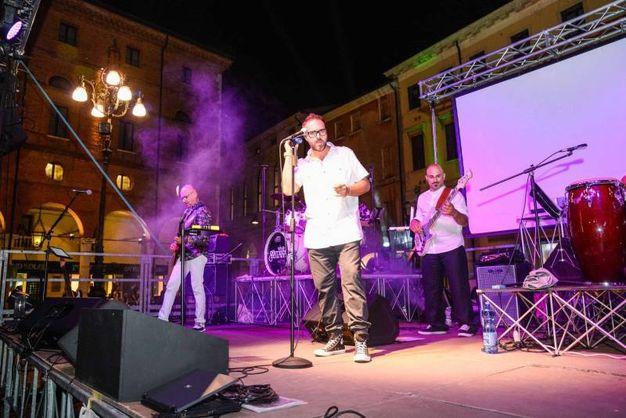Il concerto ha ripercorso l'intera carriera dell'artista  (foto Donzelli)