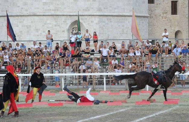 Il cavaliere di Tufilla cade a terra (Labolognese)