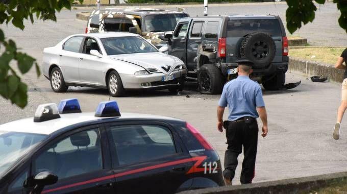 Le auto dopo la sparatoria (De Pascale)