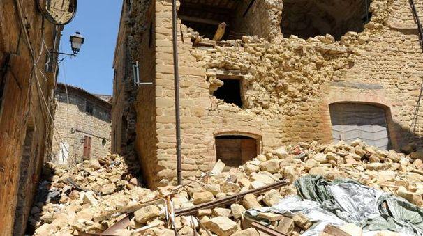 DANNI Le macerie  del terremoto