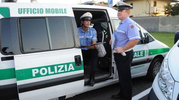 Sull'episodio sta indagando la Polizia locale di Parabiago. I vigili urbani stanno cercando riscontri per poter risalire agli autori della rissa in strada