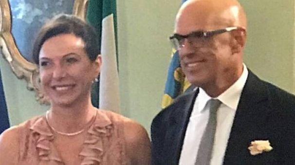 GENEROSI Laura Palladini  e Graziano Tonelli che hanno indicato un Iban anche per la casa della Carità  di Castellarano. Nel tondo, il presidente dell'ospedale Mairano