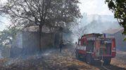 I vigili del fuoco al lavoro (foto Walter Bellisi)