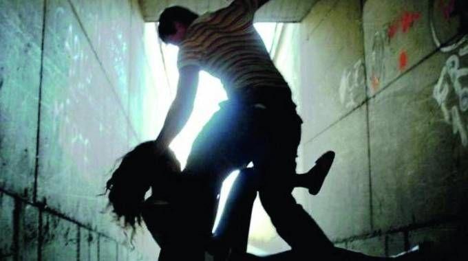 Una diciottenne è stata trascinata e violentata nel bagno della stazione (Foto d'archivio)