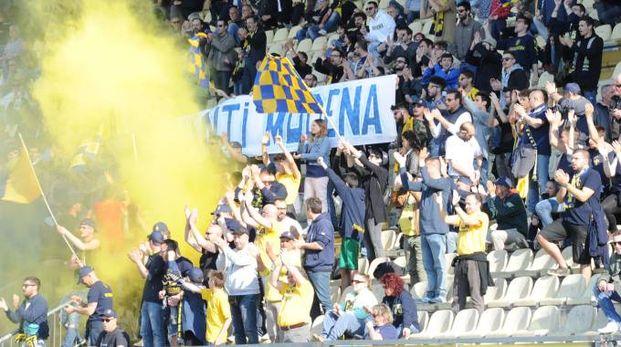 Tifosi gialloblù in una foto di repertorio