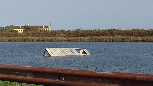 Una capanna in acqua (foto Moretto)