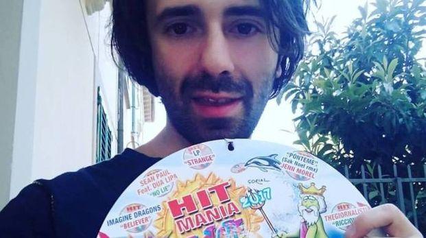 Eros Iozzelli, in arte Pandi, con la compilation di successo