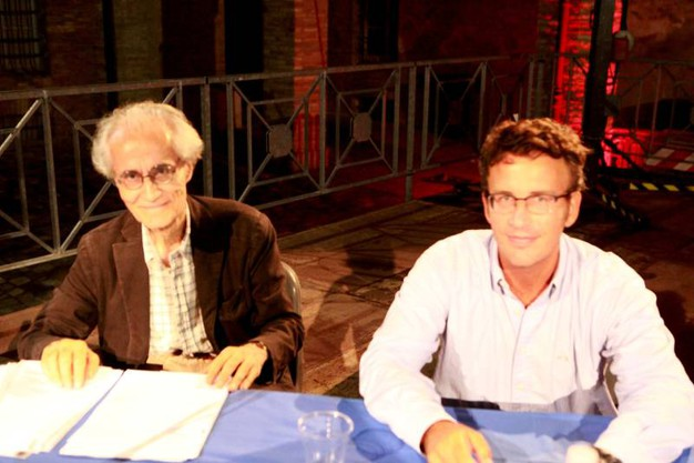 Luciano Canfora dell'Università di Bari e Diego Fusaro che insegna filosofia allo Iassp di Milano difendono il grande lascito della Rivoluzione sovietica (foto Ravaglia)