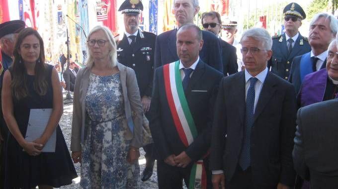 La cerimonia dell'anno scorso con il sottosegretario alla Giustizia Cosimo Ferri e l'assessore regionale Monica Barni