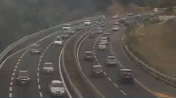 Il traffico sulla A1 verso Calenzano nella mattina di sabato 12 agosto