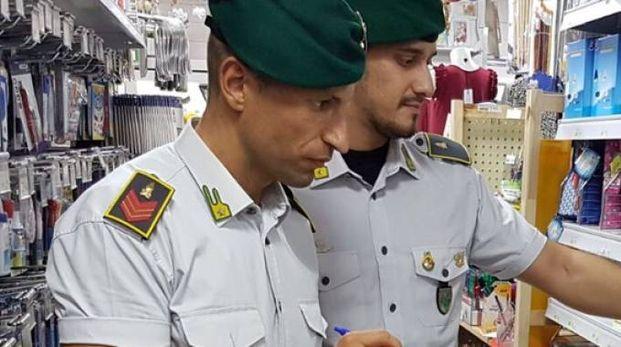 Guardia di Finanza in azione durante dei controlli, immagine di repertorio