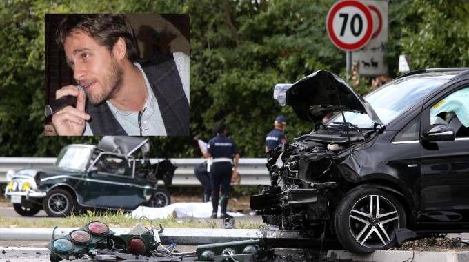 Incidente mortale al semaforo, nel riquadro la vittima Luca Andrea Latella