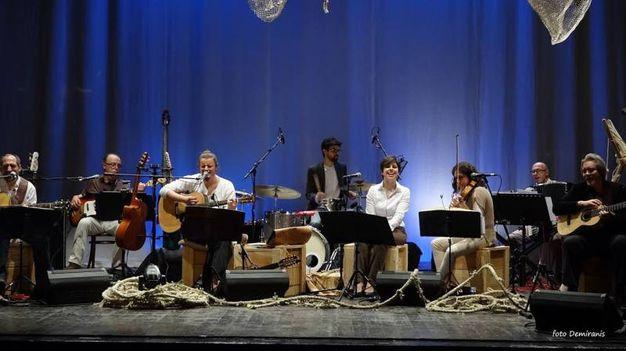 9) Le percussioni degli Artenovecento in tributo a De André