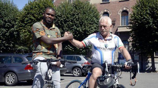 Vittorio Barbanotti e Muhamad Bance, uno dei ragazzi del Burkina Faso