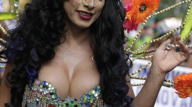 Una trans in una foto di archivio