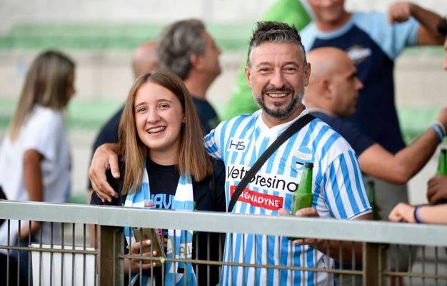 Tifosi in visibilio sugli spalti del 'Mazza' (foto Businesspress)