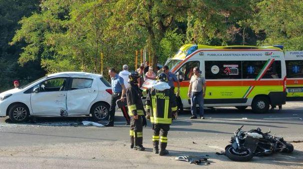 Una delle moto coinvolte le terribile incidente