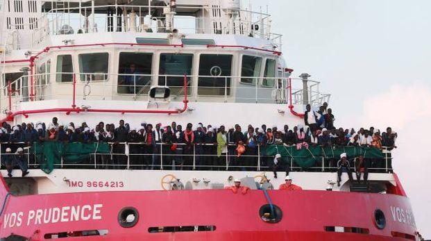 Una nave di Medici senza frontiere (Afp)