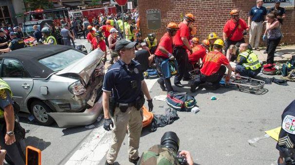 Charlottesville, auto su corteo antirazzista (Afp)