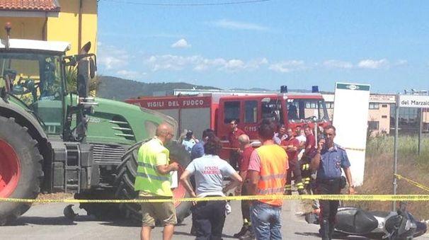 Trattore travolge scooter, muore ragazzi di 29 anni