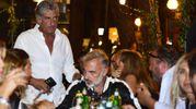 Gianluca Vacchi, alle sue spalle Chicco Cangini, prorpietario del locale Foto Carlo Morgagni)
