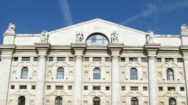 Borsa Milano apre in calo, -0,57%