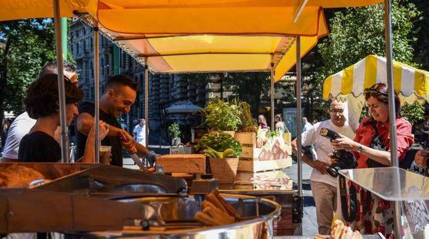 Tre giorni di street food a Casabianca con 'Ti gusto al volo' (Foto d'archivio Lapresse)