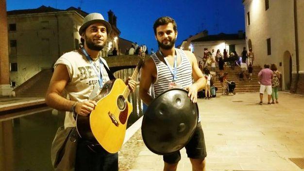 Artisti di strada a Comacchio (foto Samaritani)