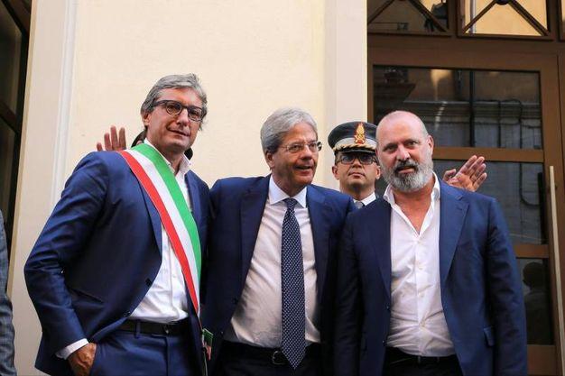 Col sindaco di Rimini Andrea Gnassi e il presidente della Regione Stefano Bonaccini (Foto Ansa)