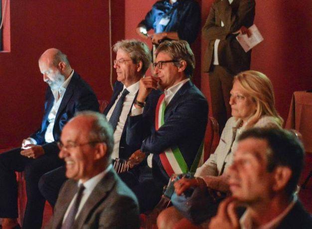 """Gentiloni ha visto alcuni spezzoni tratti dai film di Fellini, """"Amarcord"""", """"I vitelloni"""", """"La dolce vita"""", """"La strada"""" (foto Ansa)"""