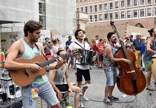 Musica e colori con i Buskers (foto Businesspress)