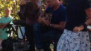 Sting improvvisa nella sua tenuta un mini concerto per gli amici (foto di Martina Gualtieri)