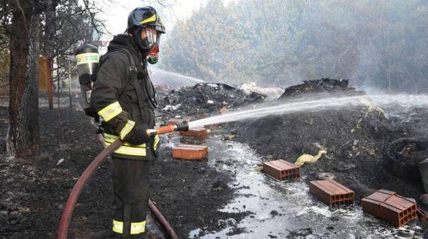 I vigili del fuoco in azione a Villadose