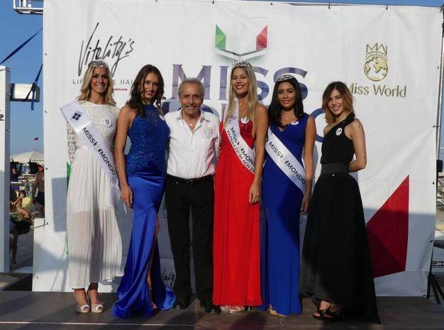 Milano marittima le foto di miss mondo al paparazzi vince virginia avanzolini spettacoli - Bagno paparazzi milano marittima ...