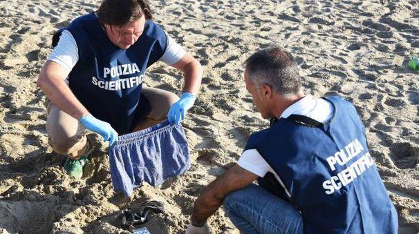 Stupro in spiaggia a Rimini