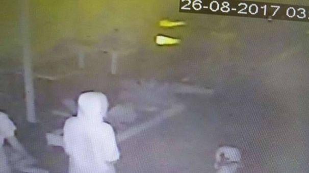 Stupri Rimini, ecco immagini del branco