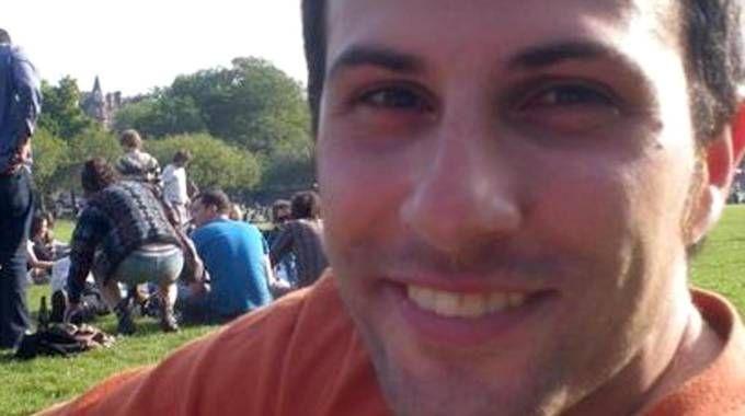 Gianluca Di Gioia, il turista italiano aggredito, derubato e avvelenato in Laos (Ansa)