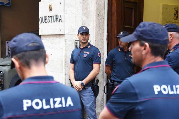 La questura di Rimini, oggi è giorni di festa per gli investigatori (foto Migliorini)