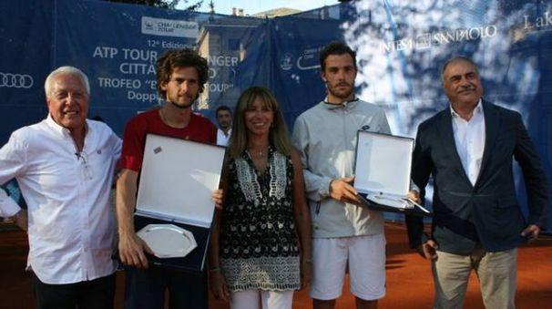 Sousa e Cecchinato insieme alla presidente Sioli e al sindaco Landriscina