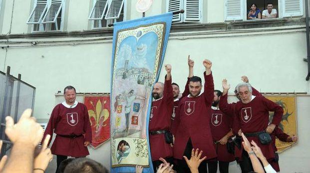L'esultanza degli arcieri del Santa Maria