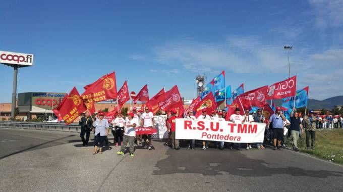 Un momento dello sciopero per la Tmm