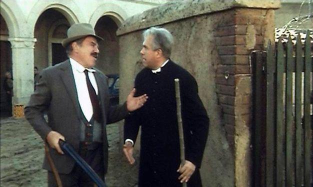 Gastone  Gastone  Moschin nel film Don Camillo e i giovani d'oggi con Lionel Stander, in una immagine tratta da Wikipedia (ANSA/WIKIPEDIA)