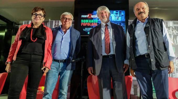 Da sinistra, Tiziana Primori, Sandro Capitani, Giuliano Poletti e Oscar Farinetti