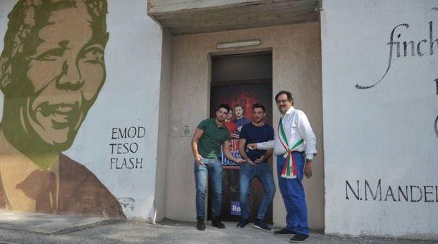 Alessandro Tenace e Alessio Stigliano con l'assessore Tommaso Chiarella
