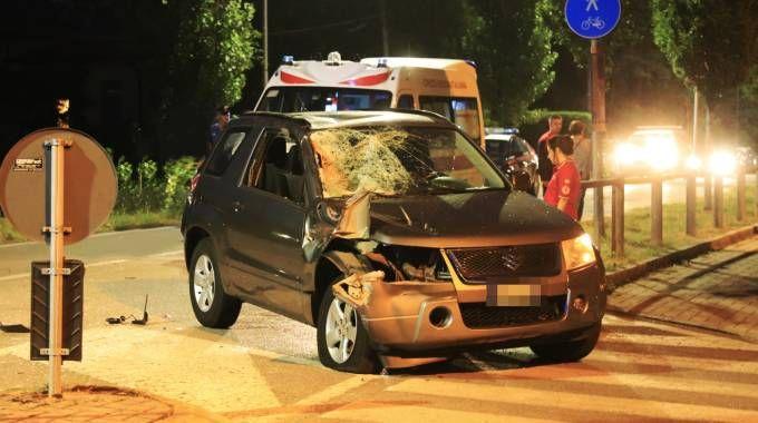 L'auto contro cui si è schiantato il ragazzo (De Pascale)
