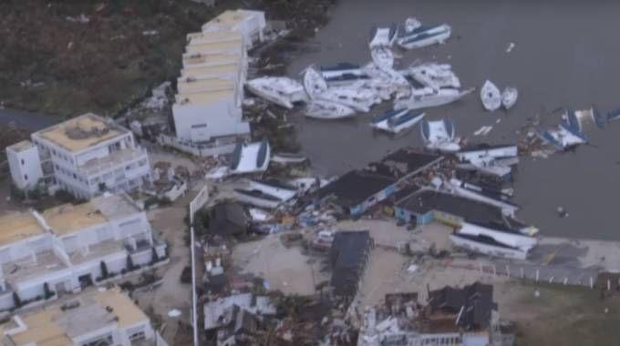L'isola di Saint Martin devastata dall'uragano (YouTube)