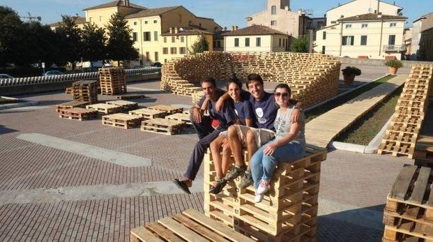 Piazzale guido da Montefeltro allestito per gli incontri della kermesse
