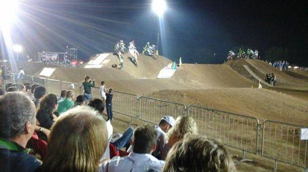Emozioni sotto le stelle domani a Bagnolo Mella, grazie a motocross e freestyle