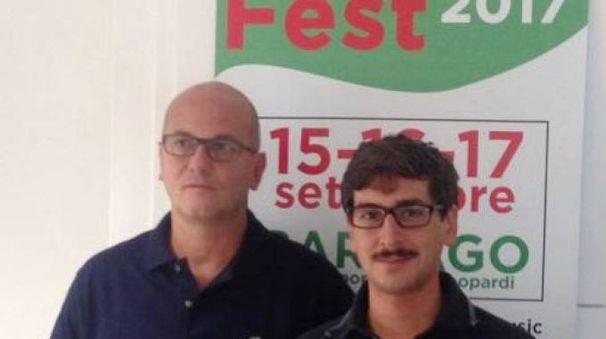 Il segretario Fausto Crimella con Michele Castelnovo dei Giovani democratici
